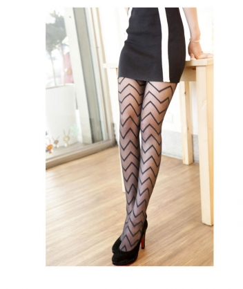 AMISS透膚感造型絲襪-橫紋閃電