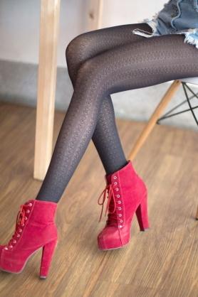 AMISS透膚感造型絲襪-直條桃心