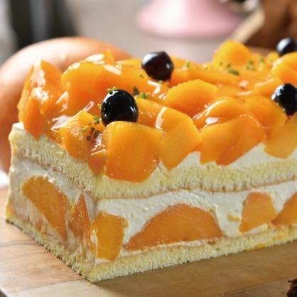 白乳酪芒果蛋糕