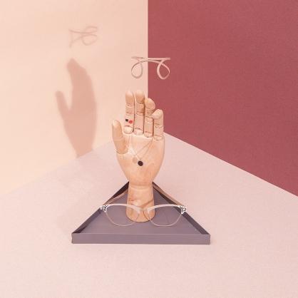 Doiy 藝術金手指 掛架(深灰)