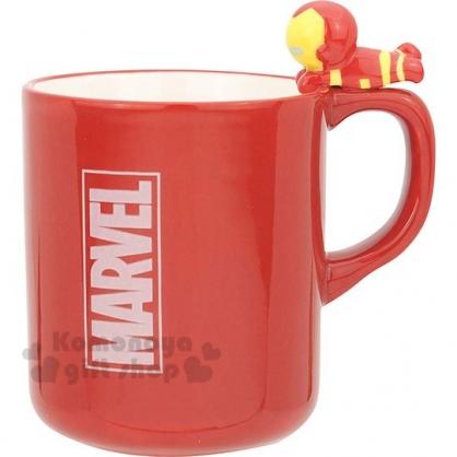 〔小禮堂〕漫威英雄 Marvel鋼鐵人 造型陶瓷馬克杯《橘紅.杯邊玩偶》260ml.茶杯.咖啡杯