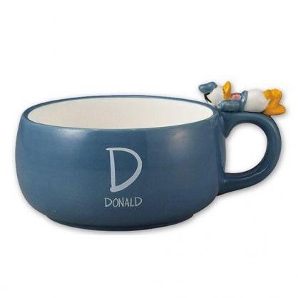 〔小禮堂〕迪士尼 唐老鴨 造型寬口陶瓷馬克杯《藍.杯邊玩偶》390ml.咖啡杯.茶杯