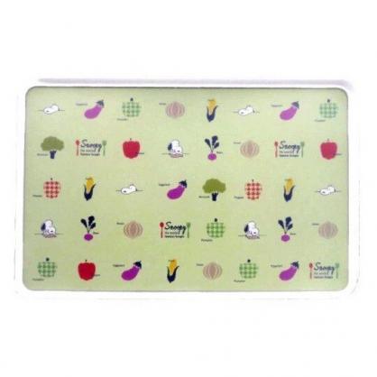 〔小禮堂〕史努比 日製輕量型塑膠方形砧板《淡綠.蔬果種類》菜板.切菜板