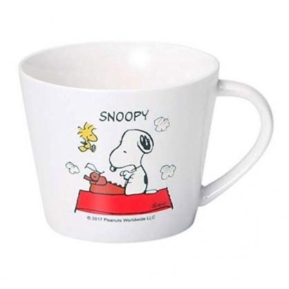 〔小禮堂〕史努比 寬口陶瓷馬克杯《白.親親》300ml.茶杯.咖啡杯