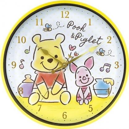 〔小禮堂〕迪士尼 小熊維尼 連續秒針圓形壁掛鐘《黃白.Q版坐姿》時鐘