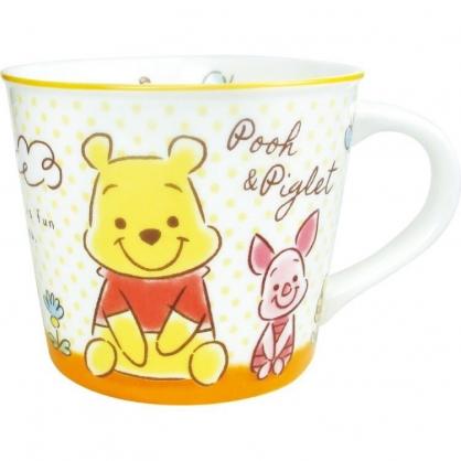 〔小禮堂〕迪士尼 小熊維尼 寬口陶瓷馬克杯《白黃.Q版坐姿》茶杯.咖啡杯