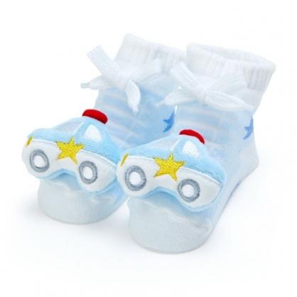 〔小禮堂〕RB工程車 日製立體大臉造型棉質嬰兒襪《藍白》腳長11公分.童襪