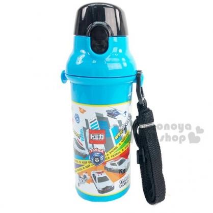 〔小禮堂〕TOMICA小汽車 日製直飲式水壺附背帶《藍.格圖》480ml.水瓶.兒童水壺
