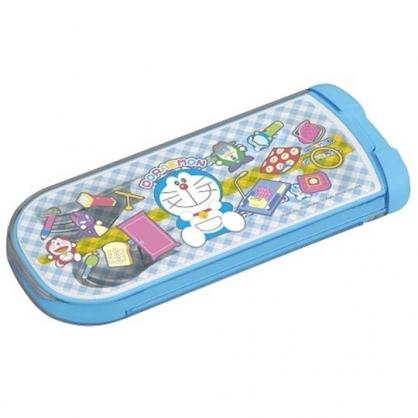 〔小禮堂〕哆啦A夢 日製滑蓋三件式餐具組《藍白.格紋》叉匙.匙筷.環保餐具.兒童餐具