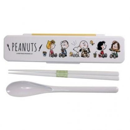 〔小禮堂〕史努比 日製盒裝兩件式餐具組《白黃.排坐》匙筷.環保餐具.兒童餐具