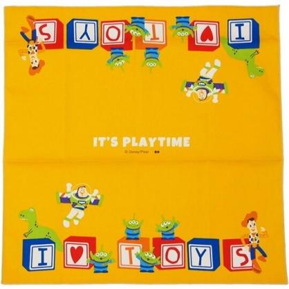 〔小禮堂〕迪士尼 玩具總動員 日製棉質便當包巾《黃.文字方塊》43x43cm.手帕.餐巾.桌巾