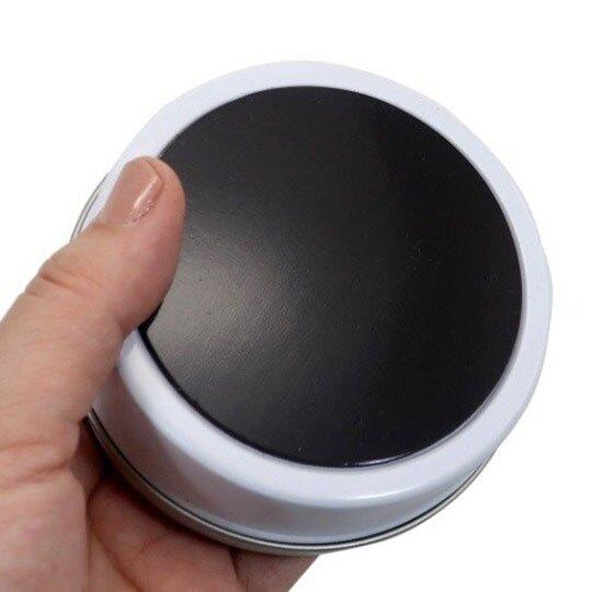 〔小禮堂〕史努比 磁吸式圓形鐵製置物盒《白.藍領結》收納盒.飾品盒