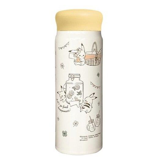 〔小禮堂〕神奇寶貝Pokemon皮卡丘 旋轉蓋不鏽鋼保溫瓶《米黃.提籃裡》480ml.水壺.水瓶.隨手瓶