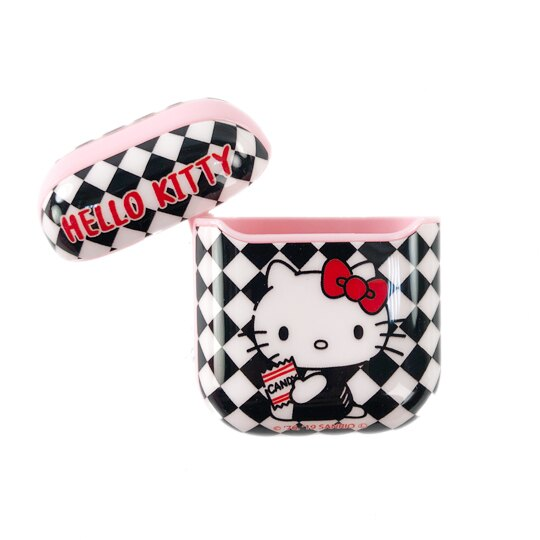小禮堂 Hello Kitty Apple Airpods 保護殼 藍牙耳機盒 保護套 裝飾殼 (黑 格紋)