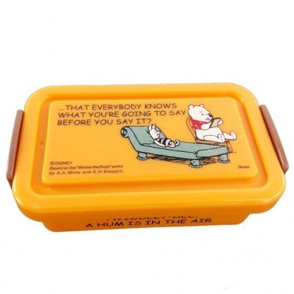 小禮堂 迪士尼 小熊維尼 塑膠便當盒 方形 雙扣 保鮮盒 餐盒 340ml (橘 躺椅)