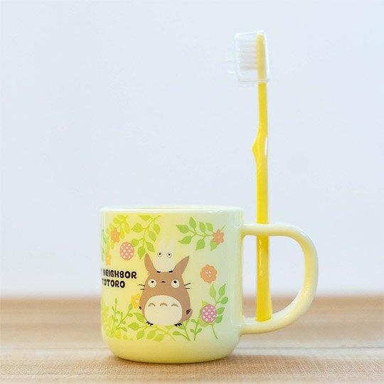 小禮堂 宮崎駿 龍貓 兒童牙刷 漱口杯 牙刷杯組 附牙刷蓋 盥洗用品 3-5歲適用 (黃 樹葉)