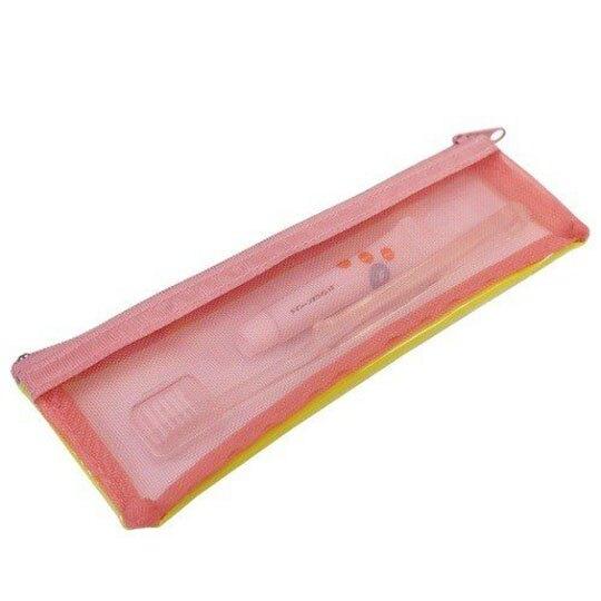 小禮堂 史努比 日製 旅行牙刷組 牙刷袋 牙膏 盥洗組 附牙刷蓋 (黃 漫畫格)