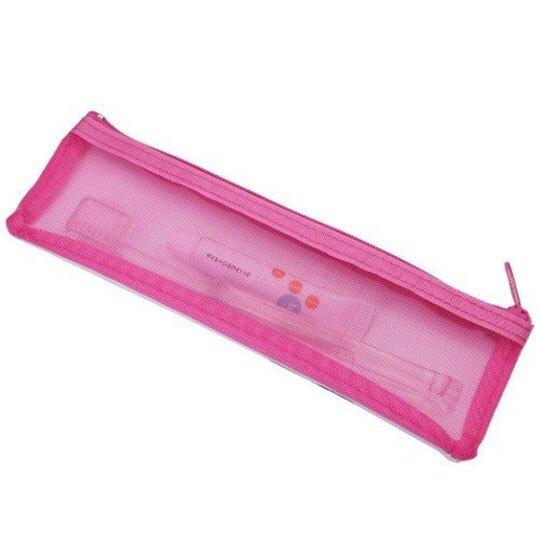 小禮堂 史努比 日製 旅行牙刷組 牙刷袋 牙膏 盥洗組 附牙刷蓋 (白 親親)