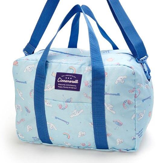 小禮堂 大耳狗 方形尼龍斜背行李袋 手提旅行袋 扁平收納袋 (淺藍 滿版)