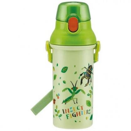 小禮堂 昆蟲 日製 直飲式水壺附背帶 塑膠水瓶 兒童水壺 480ml  (綠 樹葉)