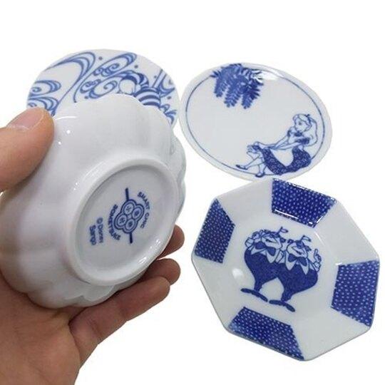 小禮堂 迪士尼 愛麗絲 日製 迷你陶瓷圓盤 小菜盤 醬料碟 (藍白 樹葉)