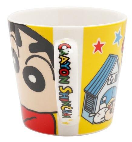 小禮堂 蠟筆小新 陶瓷馬克杯 咖啡杯 陶瓷杯 (黃 狗屋)