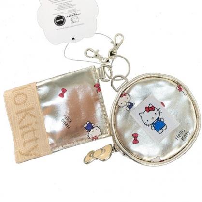 小禮堂 Hello Kitty 皮質扣式票卡夾 圓形零錢包 證件夾 車票夾 (棕金 滿版)
