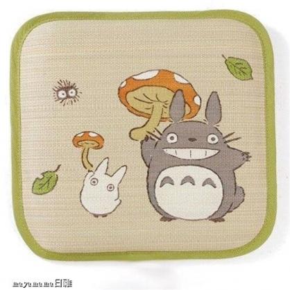 小禮堂 宮崎駿 龍貓 日製 方形草蓆坐墊 藤編椅墊 涼椅墊 抗菌防臭 (綠棕 磨菇)