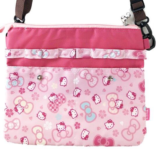 小禮堂 Hello Kitty 方形尼龍扁平斜背袋 隨身背包 尼龍斜背包 葉朗彩彩 (粉 櫻花)