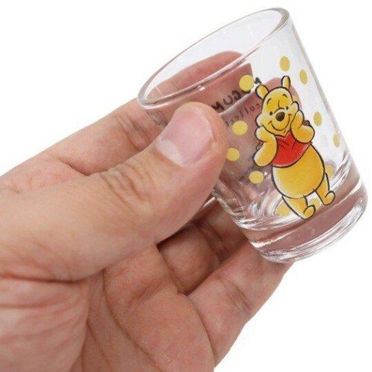 小禮堂 迪士尼 小熊維尼 日製 迷你杯璃杯 清酒杯 小酒杯 透明水杯 (黃 摸臉)