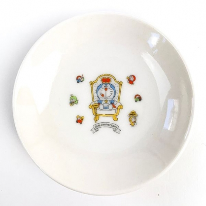 小禮堂 哆啦A夢 日製 迷你陶瓷圓盤 醬料盤 小菜盤 小碟 (白 國王椅)