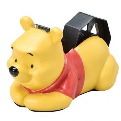 小禮堂 迪士尼 小熊維尼 造型陶瓷膠帶台 膠帶切台 陶瓷膠台 膠帶收納 (黃紅 趴姿)