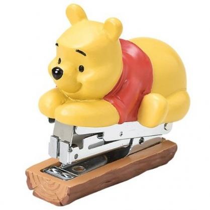 小禮堂 迪士尼 小熊維尼 造型陶瓷釘書機 隨身釘書機 裝訂機 (黃 趴姿)