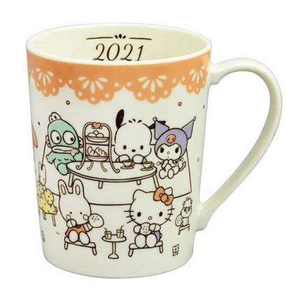 小禮堂 Sanrio大集合 日製 陶瓷馬克杯 咖啡杯 陶瓷杯 350ml YAMAKA陶瓷 (米黃 餐桌)