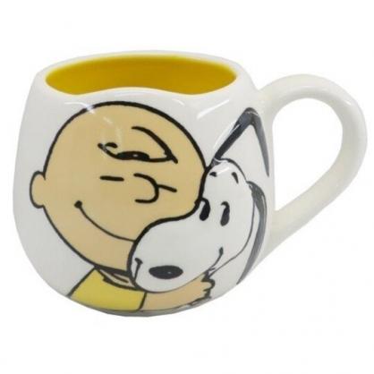 小禮堂 史努比 陶瓷馬克杯 胖胖杯 咖啡杯 陶瓷杯 250ml (白黃 抱抱)