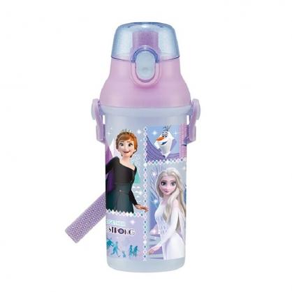 小禮堂 迪士尼 冰雪奇緣 日製 直飲式水壺 附背帶 塑膠水瓶 兒童水壺 隨身瓶 480ml (紫 格圖)