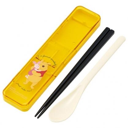 小禮堂 迪士尼 小熊維尼 日製 盒裝兩件式餐具組 匙筷 塑膠餐具 環保餐具 (黃 抱抱)