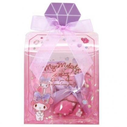 小禮堂 美樂蒂 條狀保濕護手霜 附方巾 香氛護手乳 手帕 透明盒裝 (粉 香水瓶)