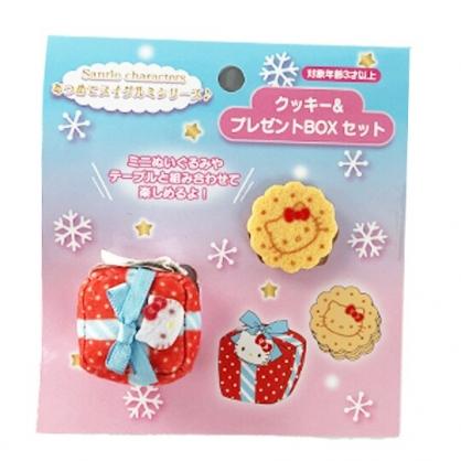 小禮堂 Hello Kitty 換裝玩偶禮物餅乾配件組 布偶禮物 娃娃配件 玩偶配件 (紅)