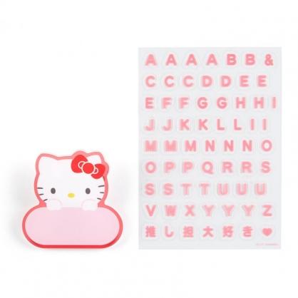 小禮堂 Hello Kitty 造型壓克力名牌徽章 附貼紙 名牌胸章 姓名牌 胸牌 (紅 2021角色大賞)