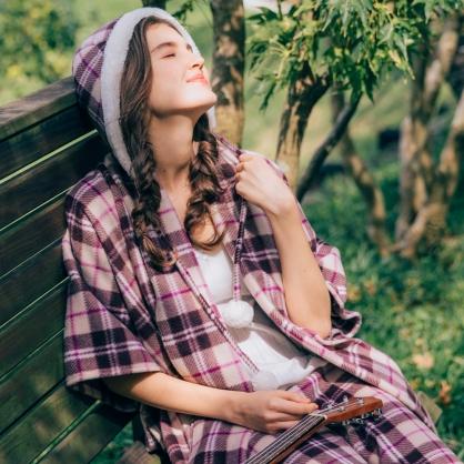 英式格紋流蘇斗篷披肩-杏紫 贈限量同款英式甜美帽