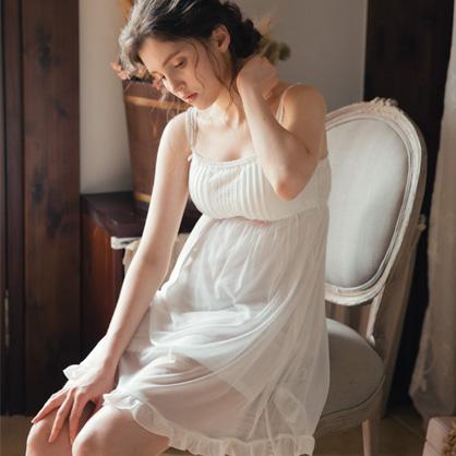 無鋼圈睡衣 Hush【獨家2in1】幸福的樂章 透膚雪紡短洋裝家居服-白