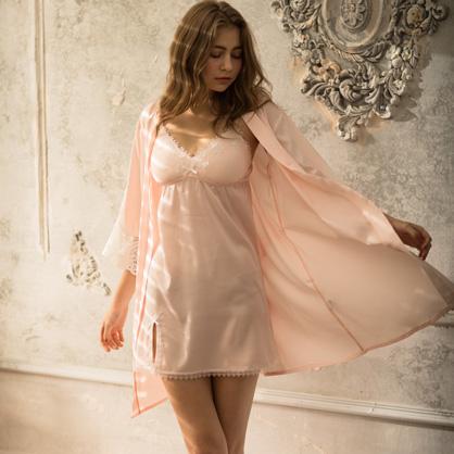 家居服 Hush 優雅宣言 輕膚柔軟緞面綁帶外袍罩衫-粉