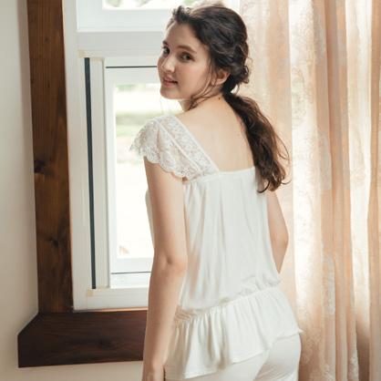 家居服 Hush 花漾青春 甜美蕾絲兩件式-白