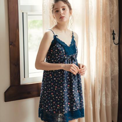 家居服 Hush 浪漫花緹 簍空蕾絲美背洋裝-藍