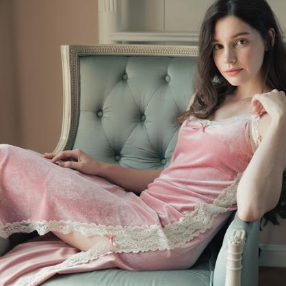 無鋼圈睡衣 Hush【獨家2in1】 絢麗年代 經典絲絨蕾絲洋裝家居服-粉