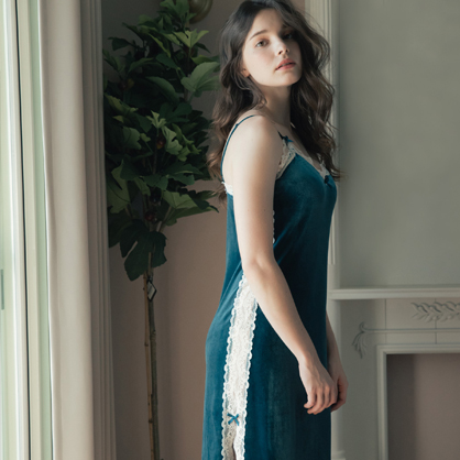 無鋼圈睡衣 Hush【獨家2in1】 絢麗年代 經典絲絨蕾絲洋裝家居服-藍綠