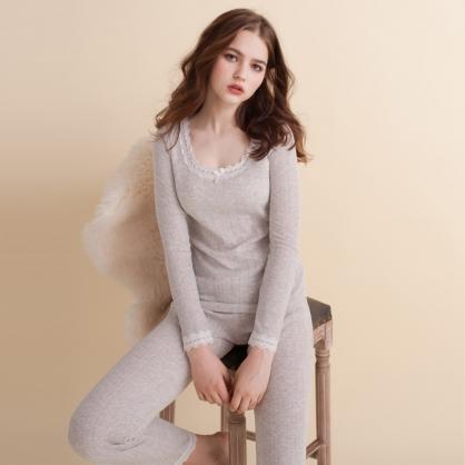 無罩杯款 棉柔緹花甜美睡衣兩件式-灰色