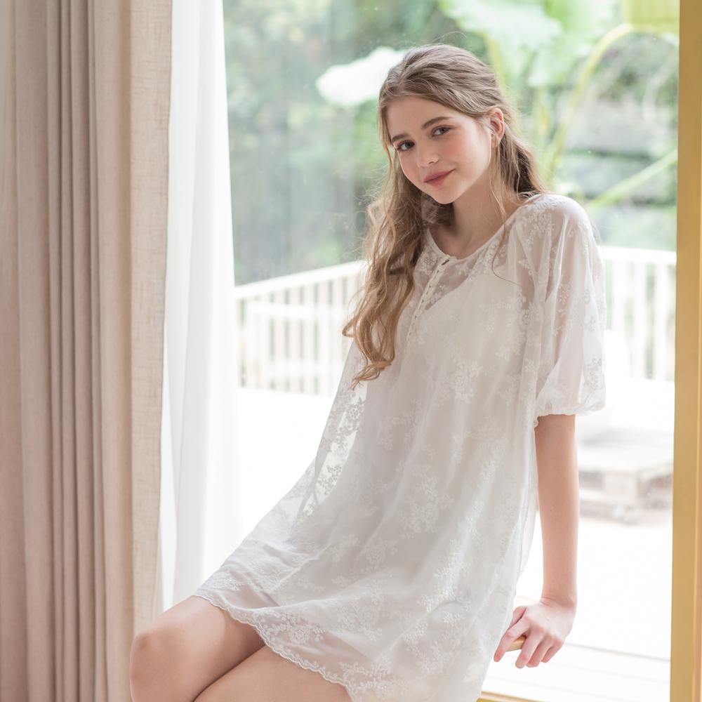 無鋼圈睡衣 Hush【獨家2in1】 空氣少女 緹花透紗兩件式綁帶洋裝 - 白
