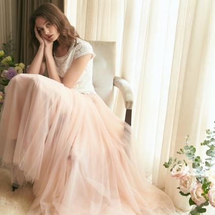 Agnes愛格妮絲典雅立體刺繡貼花上衣 +粉長紗裙 (二件式)